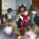 Consiliul Naţional al Elevilor nu este de acord cu prezența fizică la școală pentru clasele a VIII-a și a XII-a în scenariul roșu, așa cum propune ministrul Sorin Cîmpeanu