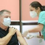 """VIDEO Klaus Iohannis s-a vaccinat anti-COVID, la Spitalul Militar """"Carol Davila"""": Este o procedură simplă, nu doare, recomand tuturor vaccinarea"""