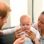 Membri ai Curții Regale a Marii Britanii cer ca prințul Harry și soția lui, Meghan, să renunțe la titlul nobiliar