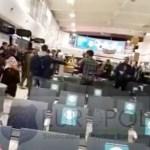 VIDEO Bătaie generală pe Aeroportul din Londra între mai mulți etnici romi care așteptau avionul să revină în România
