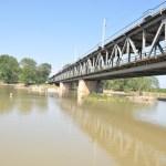 Efectul scumpirilor la materialele de construcţii: O firmă din Italia refuză semnarea contractului cu CNAIR pentru construirea noului pod peste Siret