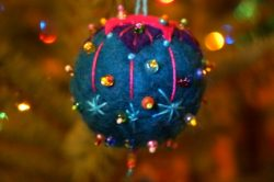 felted-ornament-1