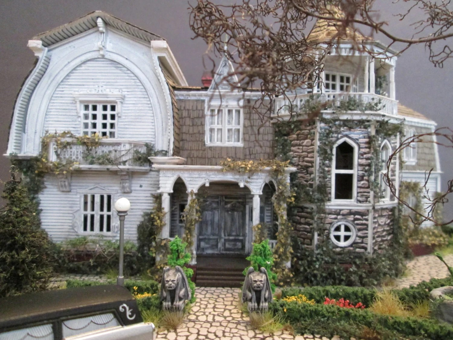 Freaky Friday Haunted Doll House Scale Replicas