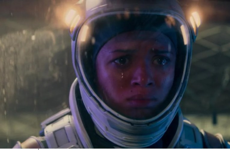 Watson Reviews: The Cloverfield Paradox