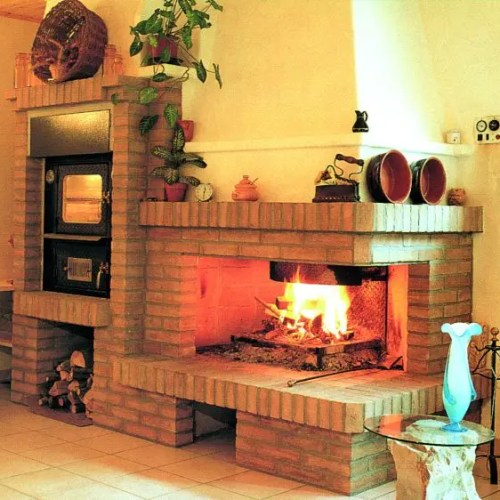 camino in muratura con inserto idro e forno a legna da interno