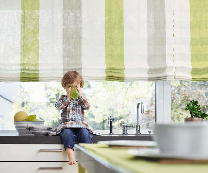Quando si smontano le tende a pacchetto dal binario per lavarle occorre fare. Le Tende Giuste Per La Tua Cucina Come Fare A Decidere News Gabetti