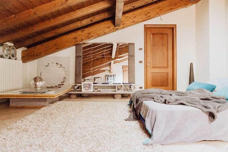 Dallo stile vintage al rustico, passando per il moderno e il minimal, vediamo quali sono gli stili che vanno per la maggiore, perché e come realizzarli in casa. Tante Idee Per Il Soffitto Con Le Travi A Vista News Gabetti