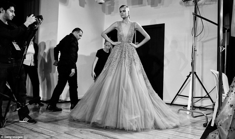 Elie_Saab_Backstage-Gabi_May