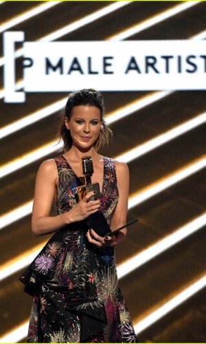 Kate Beckinsale, Billboard Music Awards 2017, moda, estilo, vestido, Zuhair Murad, gown, red carpet, fashion