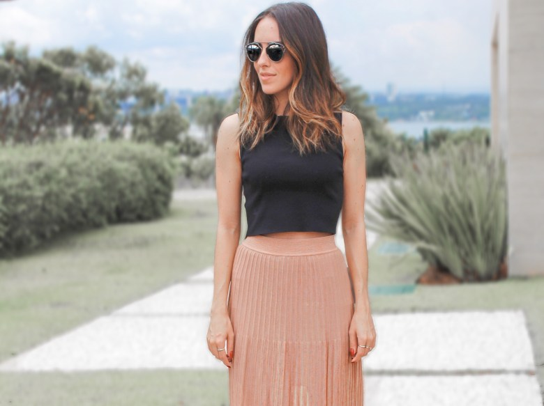 gabi may, look fácil, look do dia, moda, estilo, inspiração, saia mídi, cropped, easy outfit, ootd, outfit of the day, fashion, style, inspiration, trend, cropped top, midi skirt