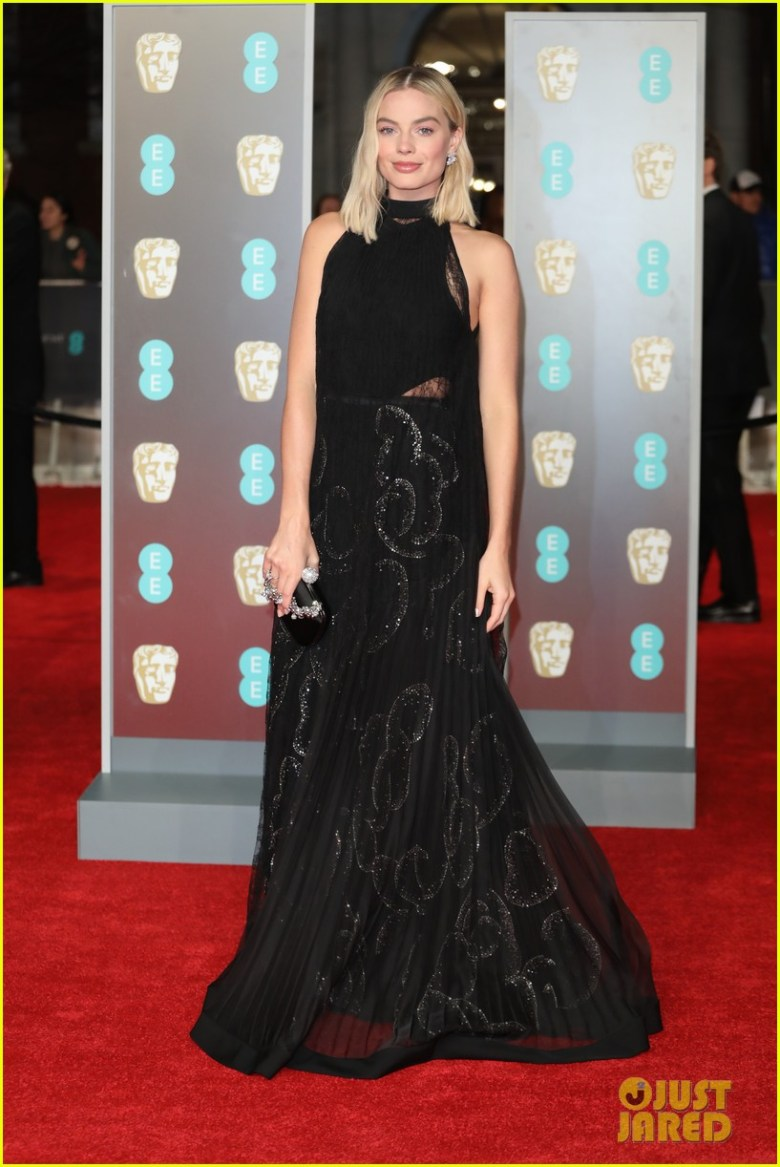 BAFTAs 2018, tapete vermelho, celebridades, looks, vestidos longos, moda, estilo, premiação, time's up, red carpet, celebrities, fashion, style, outfits, gowns, margot robbie