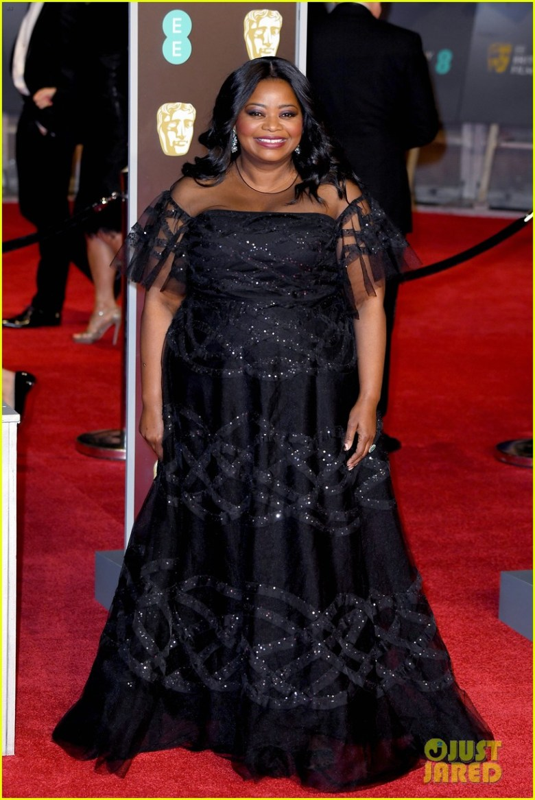 BAFTAs 2018, tapete vermelho, celebridades, looks, vestidos longos, moda, estilo, premiação, time's up, red carpet, celebrities, fashion, style, outfits, gowns, octavia spencer