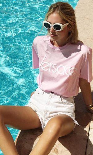 camiseta versace, logo, logomania, moda, estilo, tendência, looks, versace tshirt, fashion, style, trend, outfits, chiara ferragni