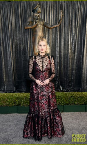 sag awards 2019, best dressed, mais bem vestidas, hollywood, moda, estilo, looks, fashion, style, outfits, lucy boynton