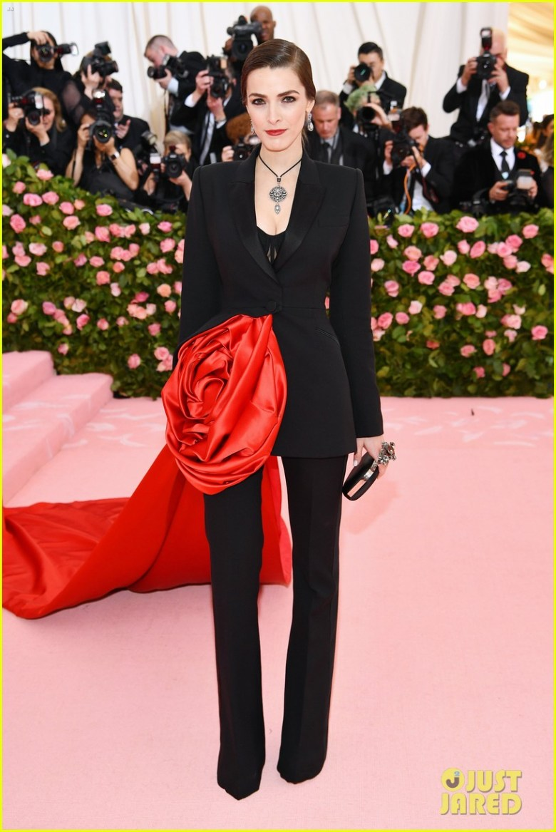 MET Gala 2019, Baile do Met, moda, estilo, celebridades, looks, Camp, fashion, style, red carpet, bee shaffer, alexander mcqueen