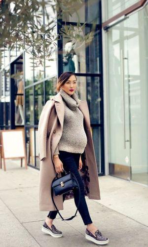 gravidez, look com calça e suéter