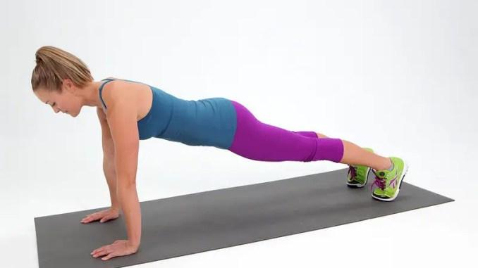 Tú puedes esculpir tu cuerpo con estos 5 poderosos ejercicios para reducir la grasa del abdomen.