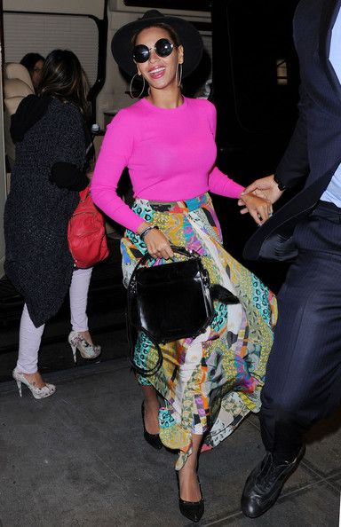 Beyonce in roz neon
