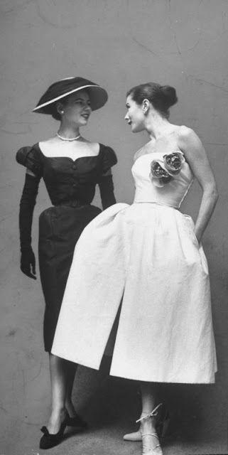 Rochie cu buzunare Dior 1950