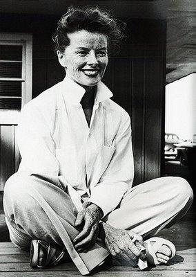 Katherine Hepburn si stilul sau elegant, relaxat