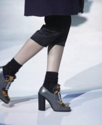 Coreleaza dimensiunile baretelor cu cele ale piciorului