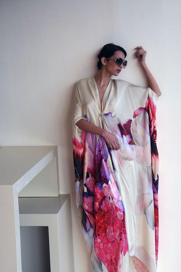 Caftan, rochia perfecta pentru vara