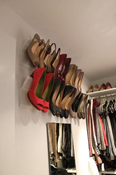 Suporturi pentru agatat pantofii cu toc