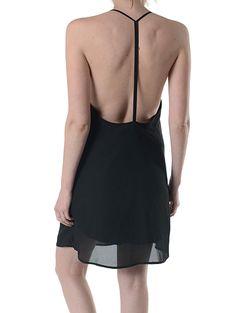 Cum iti restilizezi rochia neagra