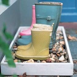 Cutia cu pietris pentru cizmele ude