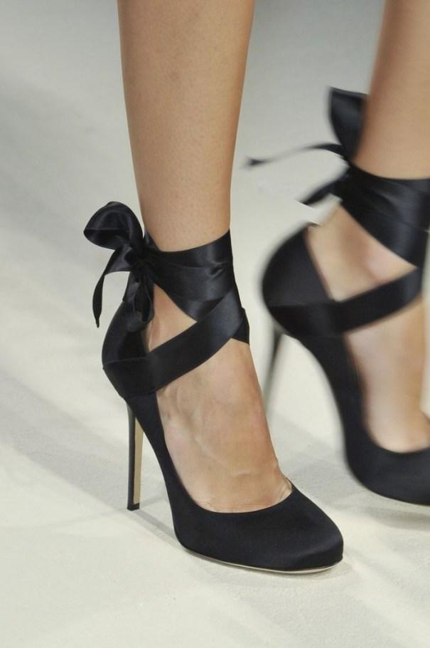 Pantofii cu funda, inspirati din cei de balet