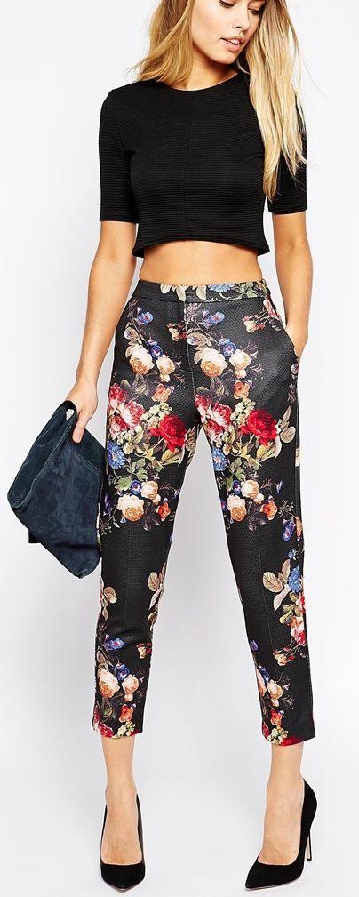 Pantaloni imprimati