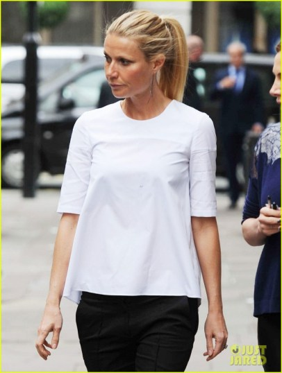 gwyneth-paltrow-monday-morning-stroll-in-london-05