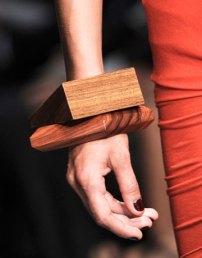 Bratari masive din lemn Donna Karan