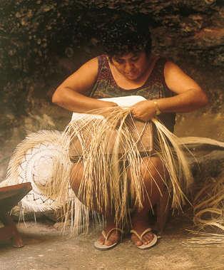 straw_hat_weaving