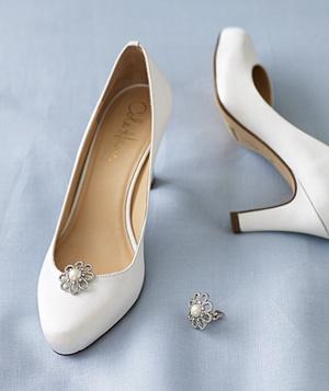 Cercei vechi redefiniti in decoratiuni pentru pantofi