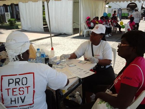 Plusieurs dizaines de gabonais ont effectué le test @ Gabonactu.com