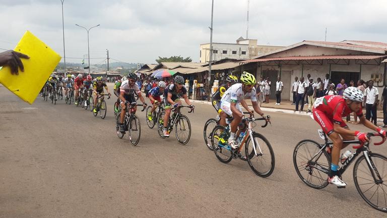 la course était très disputée durant le circuit (2 tours) à Oyem @ Gabonactu.com