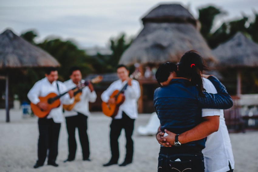technotel, beach, playa, entrega-anillo, anillo, boda, compromiso, engagment, trio, romántico, romantic, gabopreciado, gabo-preciado- fotografía-bodas, fotógrafo-bodas, bodas, boda, wedding, weddings, wedding-photographer, yucatan-photographer, fotografo-yucatan, san-benito-yucatan,