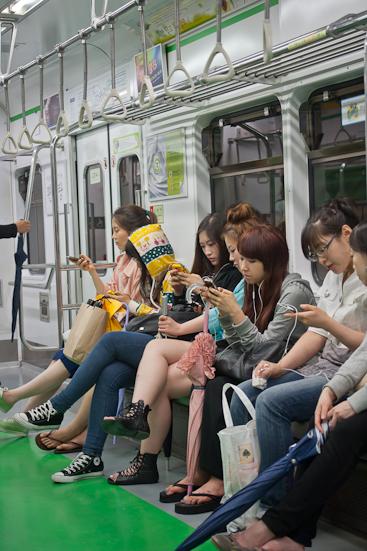 Asia, Seoul, Korea, youngg girls, subway, telephone