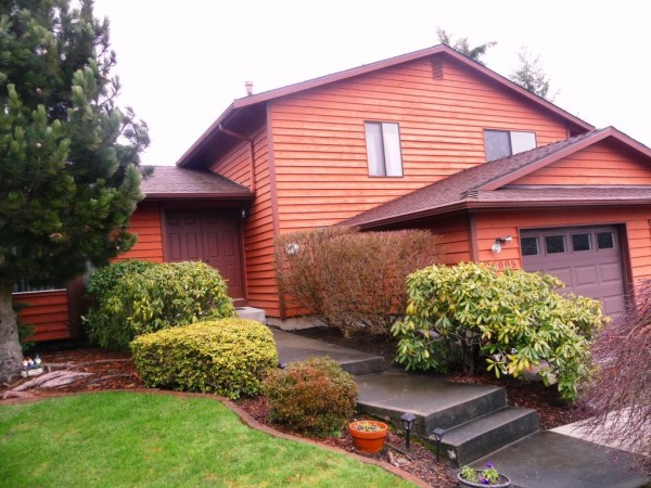 Classic Des Moines, WA Tri-Level, 4 bedroom on Culdesac