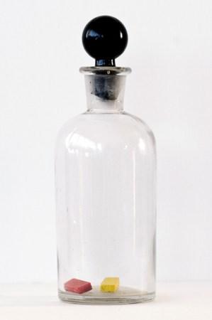 Gabriel Truan st frasco de vidrio pastillas acuarela exp. I'm by birth a genevese 2009