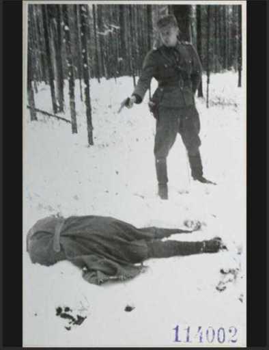 rare-historical-photos-from-world-war-ii-24