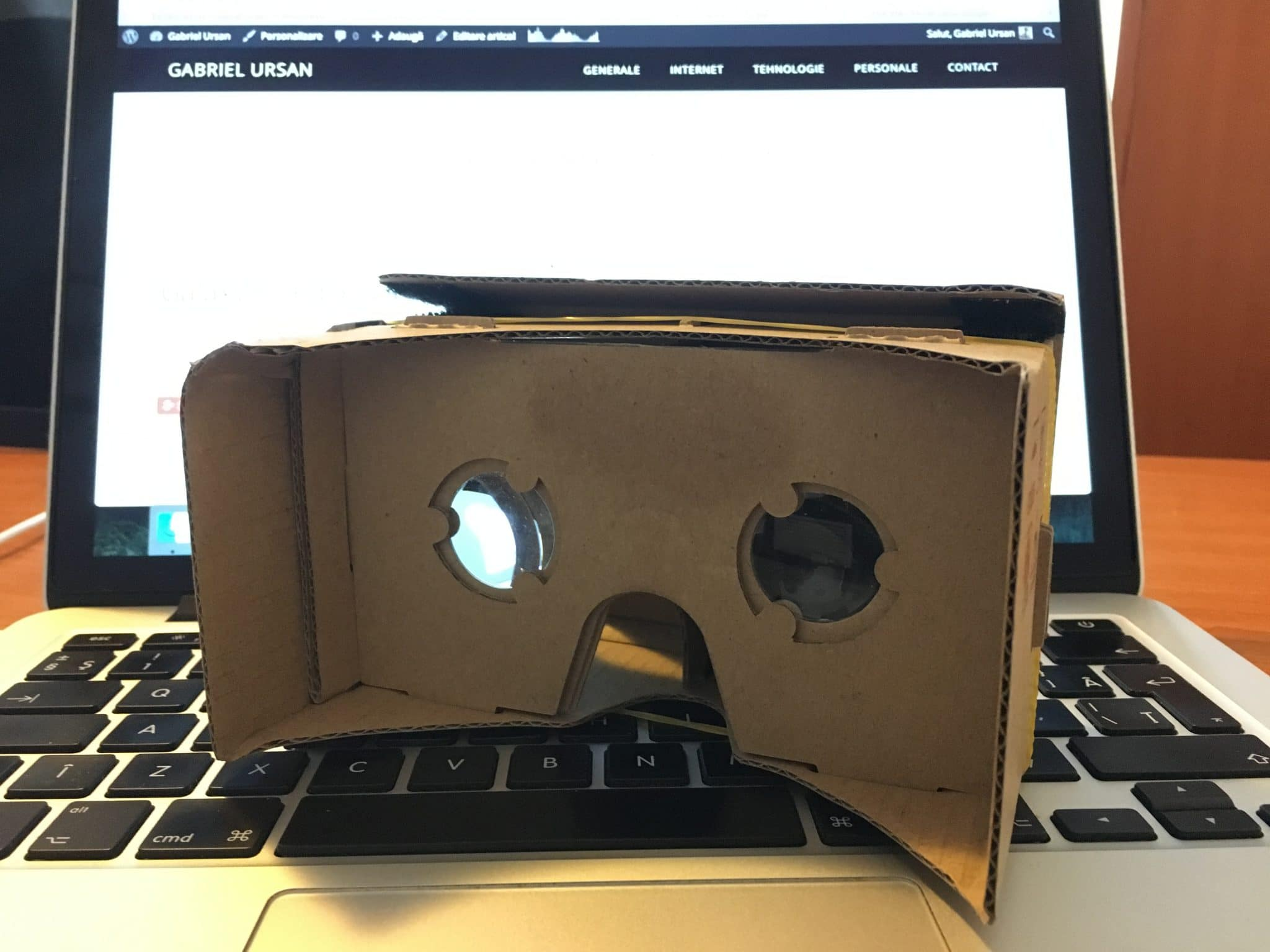 Google Cardboard VR - realitate virtuala