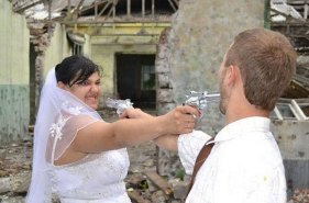 50-most-awkard-russian-wedding-portraits