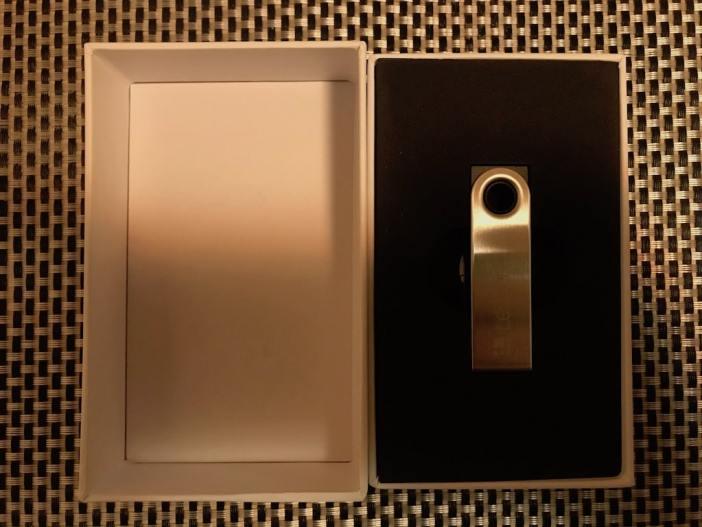 Ledger Nano S unboxing