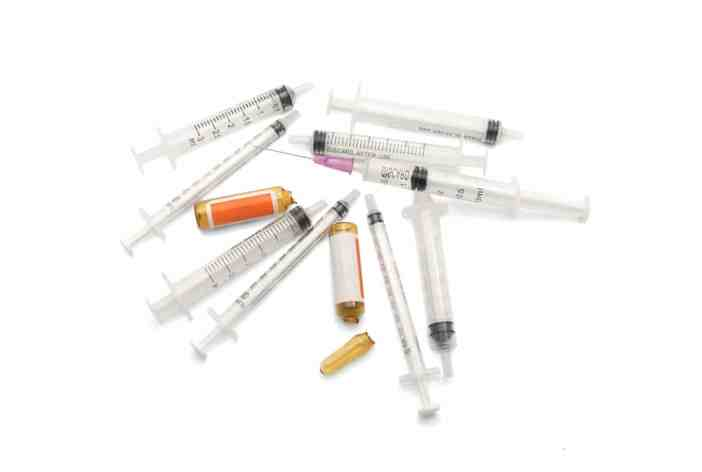 Injectare acid hialuronic din fiola deja folosita