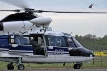 Puesta en marcha del Dauphin para retornar a su unidad mientras el UH-1H se despide con un pasaje. (Foto: E. Brea)