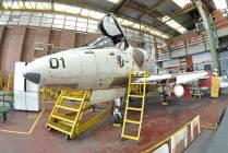 A-4Q Skyhawk expuesto en el taller. (Foto: Esteban Brea)