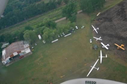 Vista Aérea donde pueden apreciarse algunas de las aeronaves expuestas. (Foto: Esteban Brea)