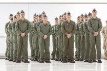 Personal del Ala 31 formado en el nuevo hangar destinado al A400M durante los actos de recepción del primer ejemplar (foto: Miguel Ángel Blázquez Yubero)